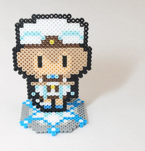 Blanc Pixel Bead Art with Stand