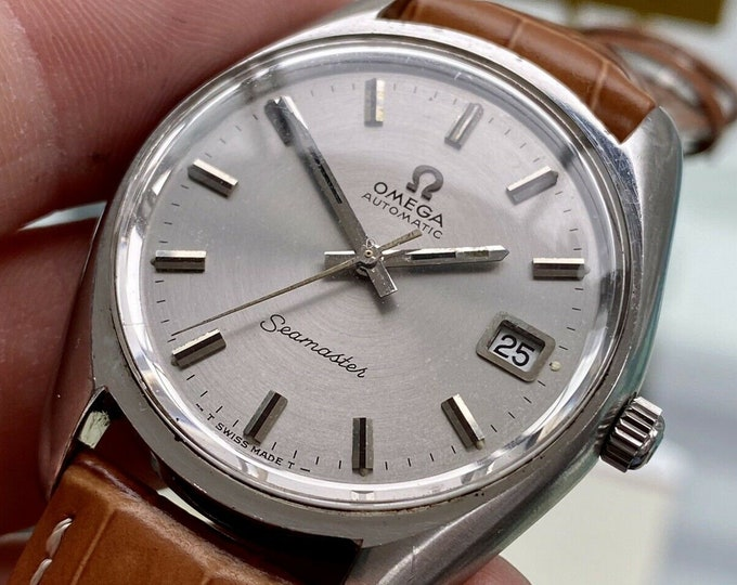 Omega Seamaster Beefy Lugs Steel Case Leather Strap Mens Vintage Automatic Steel 1972 antique watch + New Box
