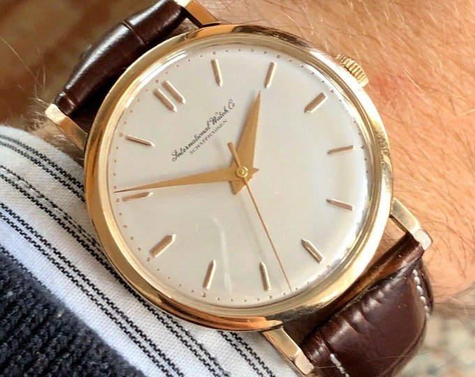 International Watch Company IWC Vintage Mens Mechanical Rose 18K Rose Gold watch + Service Card