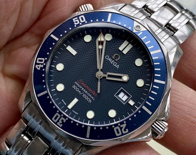Omega Seamaster Professional Quartz 300m Full Size 41mm James Bond 007 Mens Watch 2221.800 Box