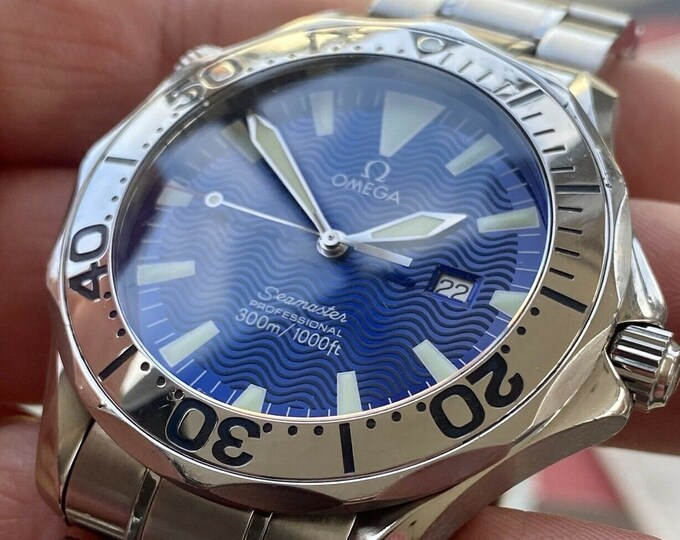 Omega Seamaster 300m Quartz Battery Electric Blue Dial Steel 41mm mens watch Card Box Tag Full Set used scond hand Swiss Made watch