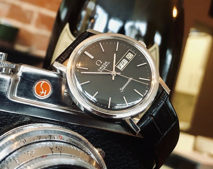 Omega Seamaster Day Date Black Dial Mens 1970s Calibre 1020 vintage watch + Box