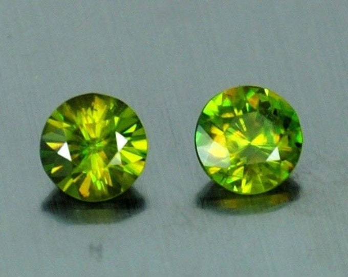 1.85 Ct Chrome Sphene 6x6 mm loose gemstone pair Round cut from Sri Lanka