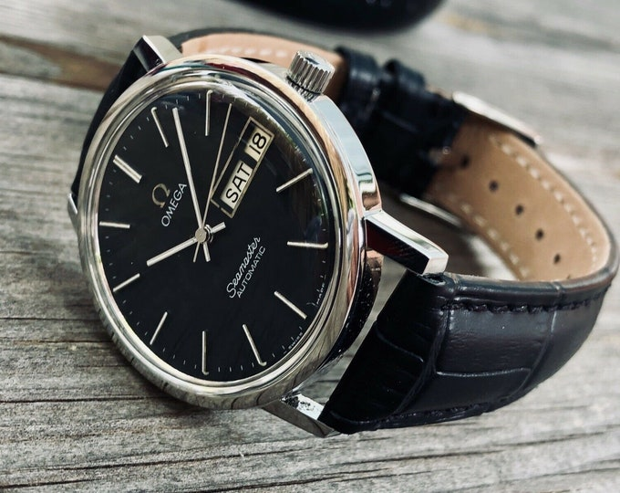 Omega mint condition Men's Seamaster Day Date calendar Cal 1020 1970s Mechanical movement Stainless Steel mens watch + Box