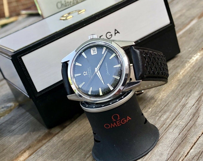 Omega Mens Seamaster Black Dial 1960s Stainless Steel second hand vintage Watch CAL 562 Automatic 1960s + Box