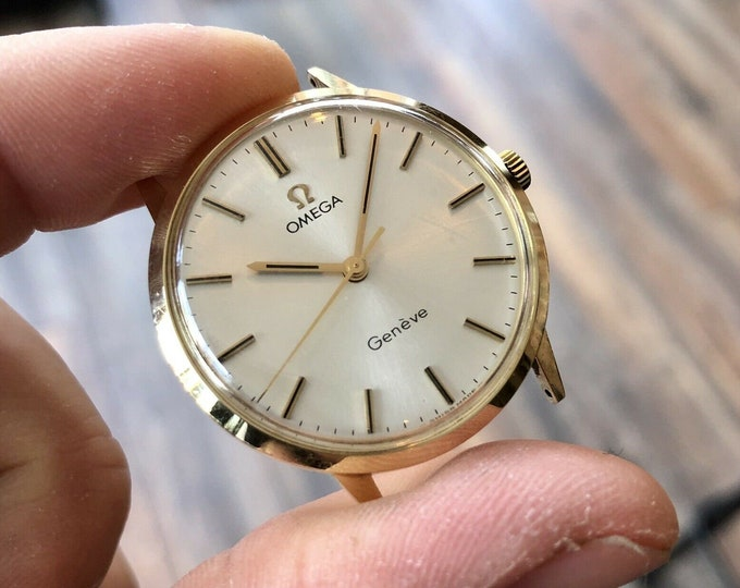 Omega vintage Gold Solid Gold 14K / 585 Geneve Mechanical Cal 601 17 Jewels second hand used wristwatch + Box