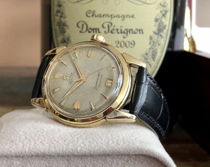 Omega Seamaster Calendar Date Waffle Automatic Solid 14K Gold Mens vintage 1952 dress second hand used watch