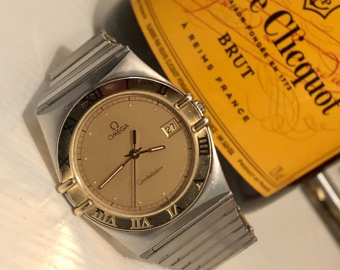 OMEGA Mens Constellation gents Classic vintage 1980-1989 Quartz battery 18K Solid Gold Bezel nice condition watch unisex Box warranty card