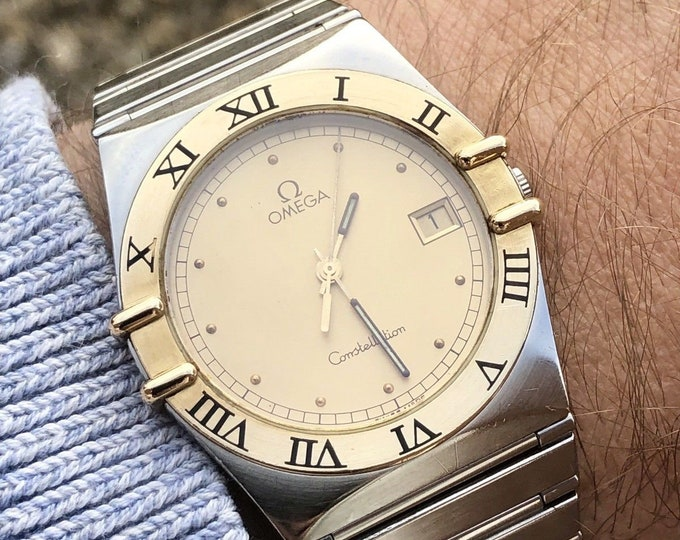 OMEGA Mens Constellation gents Classic vintage 1988 Quartz battery 18K Gold Bezel nice condition watch womens unisex + Box and papers