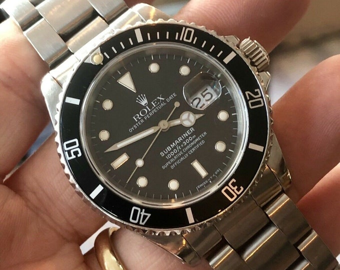 Rolex 16610 Submariner Black Dial Stainless Steel Mens watch Semi Vintage 1988 R + Box