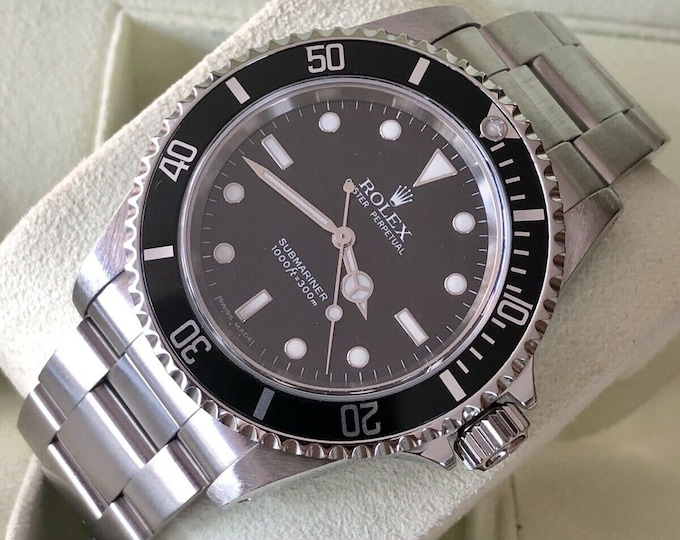 Rolex No date Submariner Black Stainless Steel Mens watch 2 liner dial Full Set 14060M 2 service warranty + Box & Papers