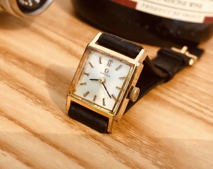 Omega vintage Gold Plated 1965 Mechanical womens gold lady watch serviced + Harrods London wristwatch box
