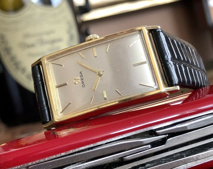Omega Rare Rectangular Gold Plated Vintage Mens Mechanical 1965 Serviced watch + Box