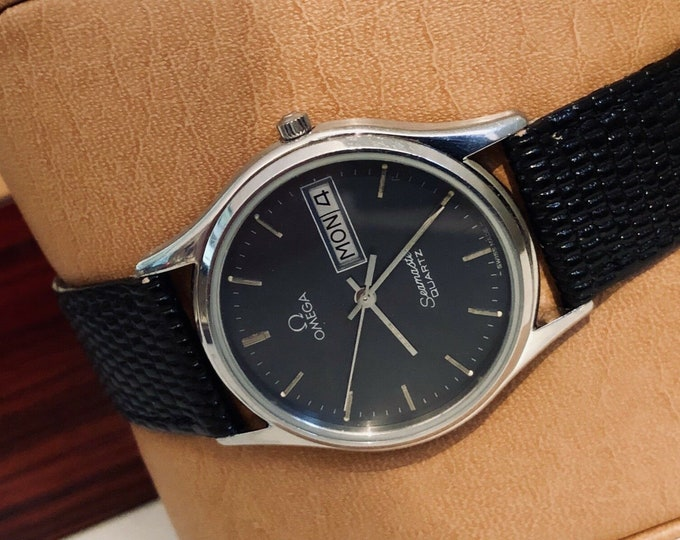 Omega Mens gents Classic vintage Day Date Black Dial Face Seamaster vintage 1982 Quartz Battery Stainless Steel watch CAL 1437 + BOX