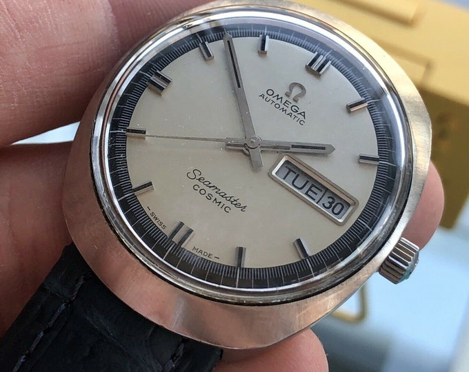 Omega Seamaster Cosmic Steel Mens Vintage Automatic Day Date used preowned 1960s Caliber 752 watch