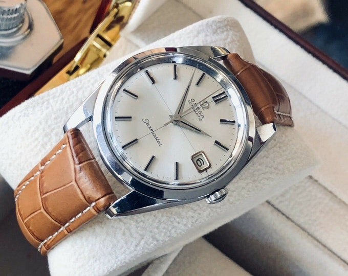 Omega Seamaster Stainless Steel Mens Vintage 1965 watch in stunning condition + Service card