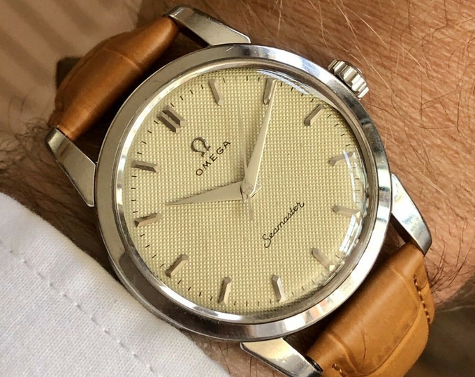 Omega Seamaster Mechanical Waffle dial Mens Vintage watch Serviced 27th May 2020 + original Red used Box