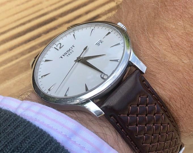 Tissot T063610A Quartz T-Classic White Dial Silver Batons battery date display mens watch + Box