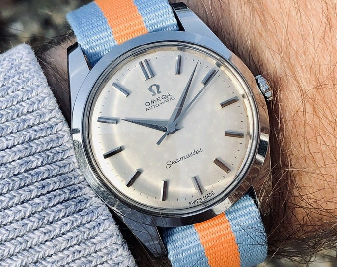 Omega Seamaster vintage watch Mechanical Automatic Cal 565 Stainless Steel with Date and Nato and leather strap 1960s used second hand + Box