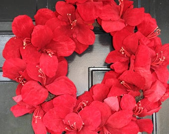 RED AMARYLLIS WREATH