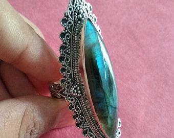 2bd4b92e3547f6 Marquise shape ring