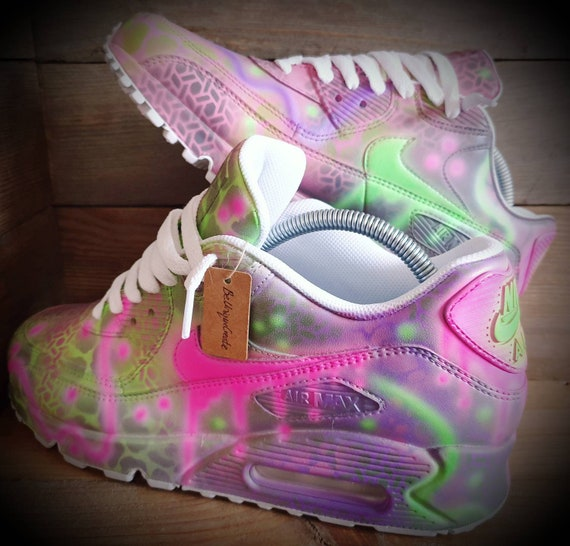Nike Air Max 90/Custom Painted/Pink