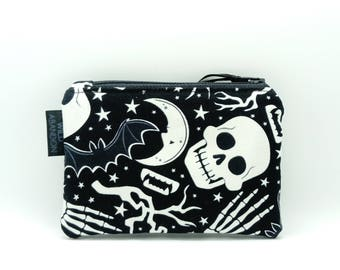 Skull Coin Purse - Glow in the Dark - Goth Gift - Small Zip Pouch - Credit Card Holder - Spooky Bats Halloween - Black and White Zipper