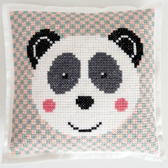 CUSHION KIT A BRODER felt black panda's head and white geometric 42 x 42 cm