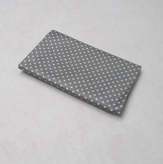 SPOT ON Coupon fabric cotton polka dot white on light grey silver patchwork 50x55cm