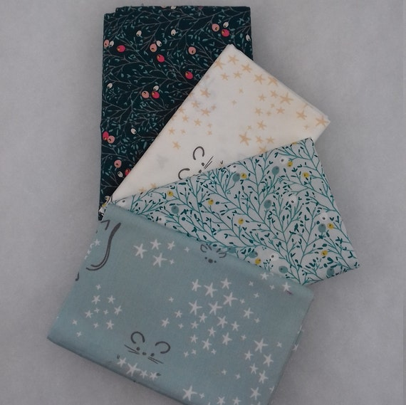 LITTLE TOWN set of 4 coupons cotton fabric patchwork Winterberry spice winter flora green dark 50x55cm
