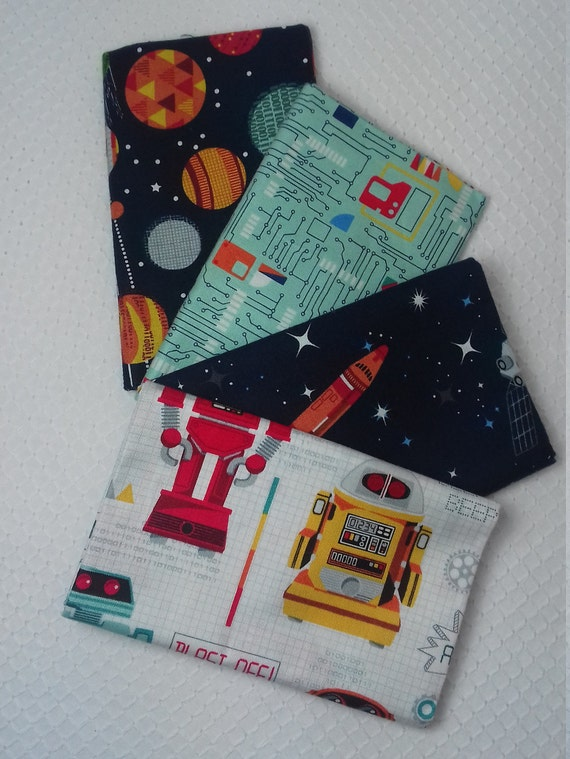 GALAXY set of 4 Coupons cotton fabric patchwork colorful drawings of robots on white 50 x 55 cm