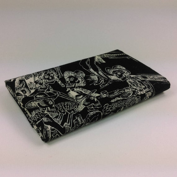 DEAD SALOON Coupon fabric cotton patchwork saloon scenes in ivory skeletons on black 50x55cm