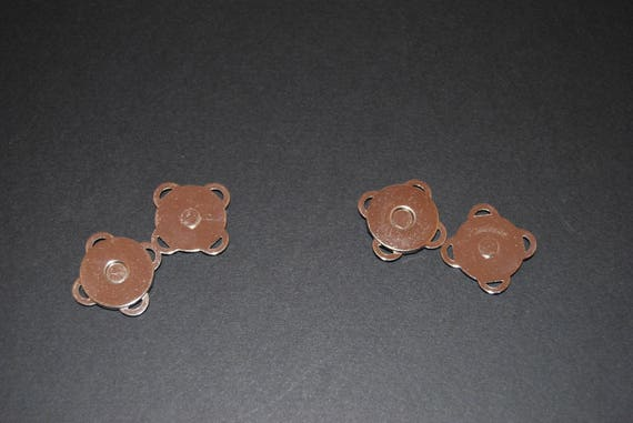 Set of 2 magnetic snaps to sew for 14 mm silver