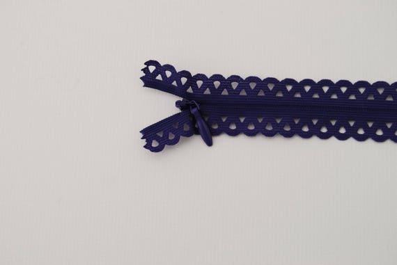 ZIPPER 20cm purple lace petals