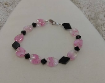"""Pink and black 7 1/2"""" bracelet"""