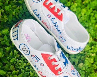 90a0a387536 Chicago Cubs - Hand Painted Canvas Shoes