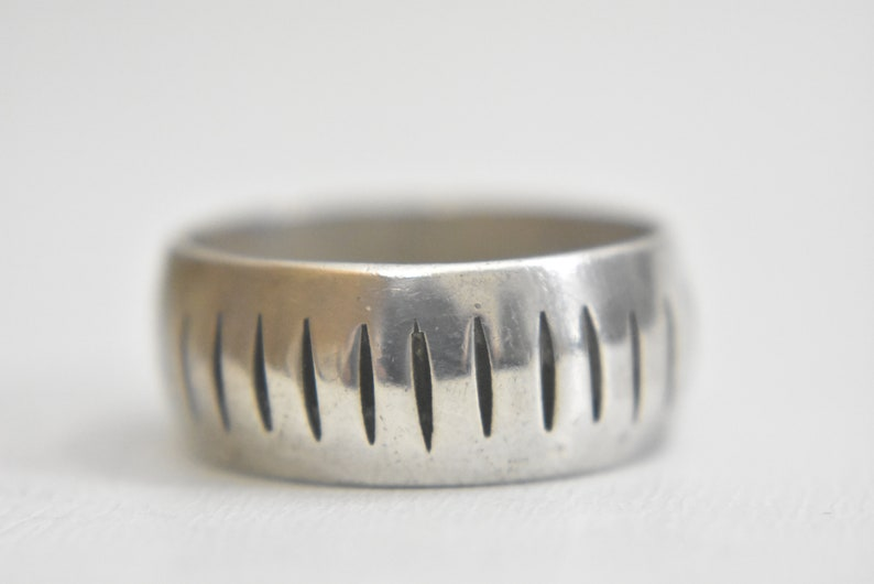 Wedding ring geometric thumb band sterling silver men Mexico Size 12.75