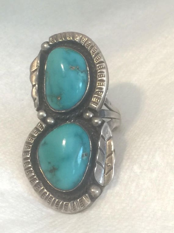 Vintage Sterling Silver  Native American Navajo Turquoise Ring Signed RB in an etched Bear  Size  5.75  10.6g