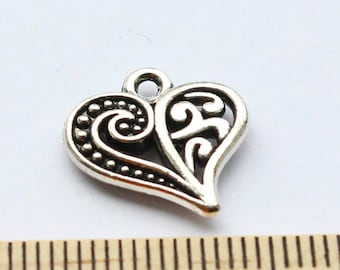 5 Heart Charms - Antique Silver - EF00136