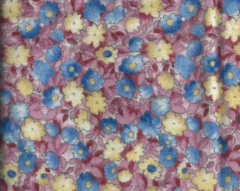 Flannel British fabric with pink, blue and yellow flowers - 55x30 cm