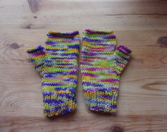 Vibrant mittens for a winter warm