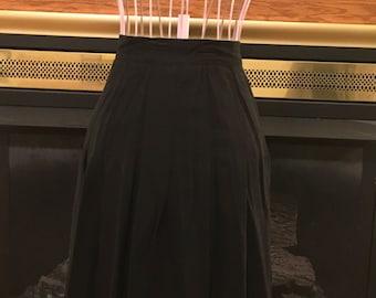 90's black pleated skirt