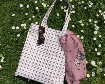 Pretty pink and grey patterned bag
