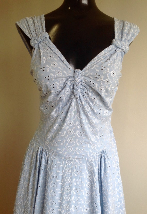 Sleeveless Light Blue Eyelet Dress, Long vintage E