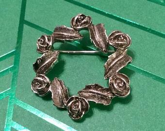 Sarah Coventry Wreath Pin