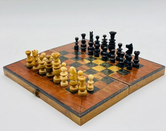 Modernist Regence Chess