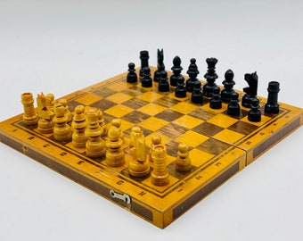 Spanish Casino Chess with Card.