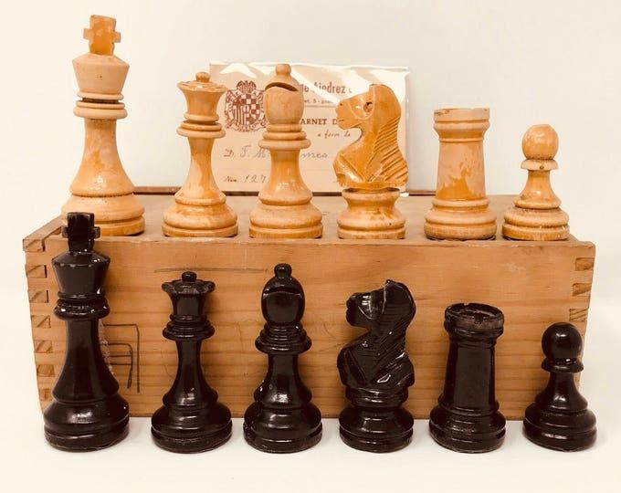 Spanish Casino chess with card.