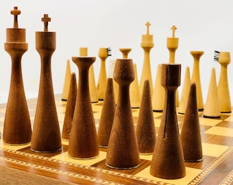 Surrealist Chess Anri Toriart