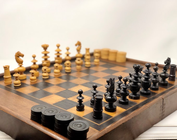 Regence chess with expensive Parisian board